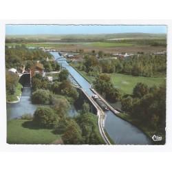 02160 - BOURG ET COMIN - LE PONT-CANAL - VUE AÉRIENNE