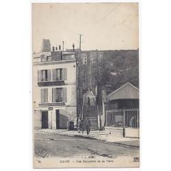 02000 - LAON - LES ESCALIERS DE LA GARE