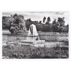 02290 - NOUVRON VINGRÉ - LE MONUMENT DES FUSILLÉS
