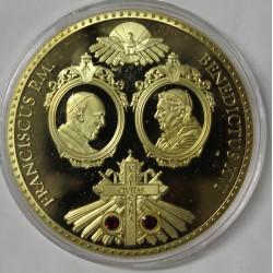 FRANCE - MÉDAILLE - LE PAPE FRANCOIS ET LE PAPE BENOIT XVI