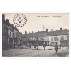 02130 - FÈRE EN TARDENOIS - LA PLACE DU MARCHÉ