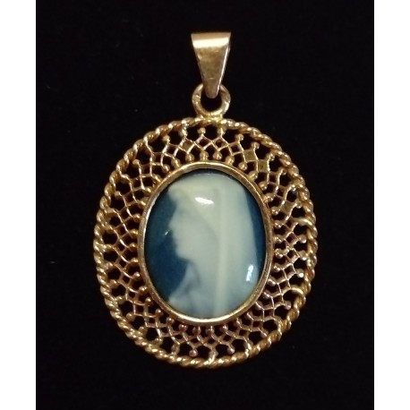 YELLOW GOLD PENDANT - 18 CARATS - BLUE CAMEO - VIRGIN HEAD TO LEFT