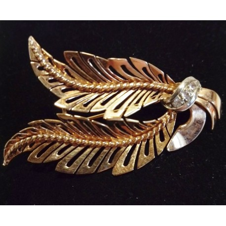 YELLOW AND WHITE GOLD BROOCH - 18 CARATS