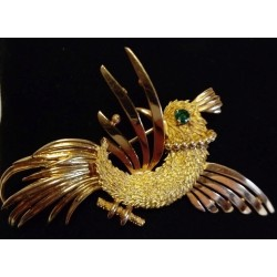 YELLOW GOLD BROOCH - 18 CARATS - EMERALD