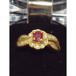 YELLOW GOLD RING - 18 CARATS - RUBY AND 9 BRILLIANTS