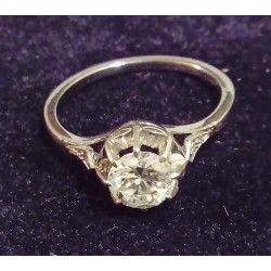 PLATINUM RING - SOLITAIRE (ABOUT 0.78 CARATS) - 8 CLAWS