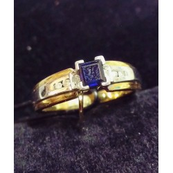 YELLOW AND WHITE GOLD RING - 18 CARATS - SAPPHIRE 2.5 MM AND 6 SHINY
