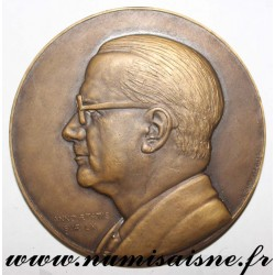 MEDAL - ARCHITECTURE - THE ARCHITECTS OF FRANCE TO JACQUES DUVAUX - 1950