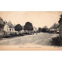 County 60400 - OISE - NOYON - THE PLACE OF THE REPUBLIC